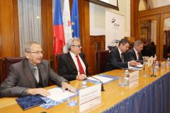 Společenské setkání Hospodářské komory ,, Roztáčíme kola českého exportu  vystoupení jednatele společnosti pana Bedřicha